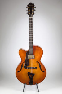 Comins Concert Archtop – Warm Violin Shading / Left Hand