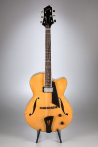 Comins GCS-16-1 Archtop – Blonde